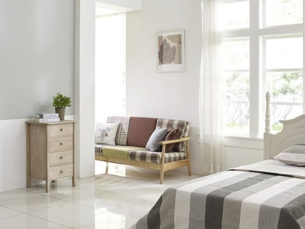 Dormitor nou alb